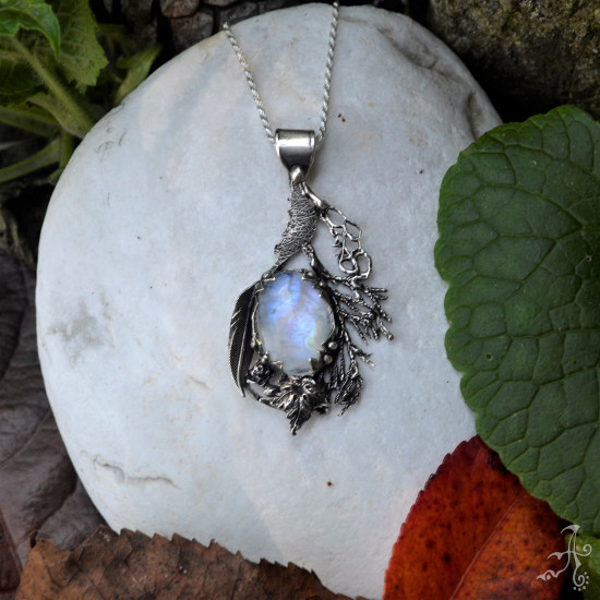 Handcrafted 925 Silver Pendant with Big Spectrolite Rainbow Moonstone