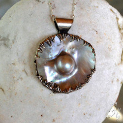 Handcrafted 925 Silver Pendant with Big Mother of Pearls