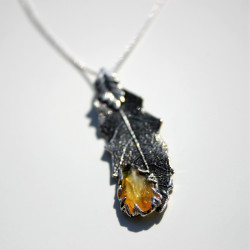 Unique Detailed Sterling Silver Oak Leaf Pendant with an Amber